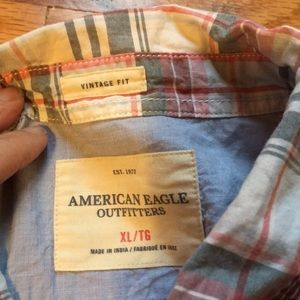 American Eagle Outfitters Shirts - NWOT American Eagle Vintage Fit plaid button down